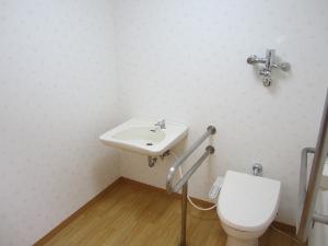 トイレ (300x225)