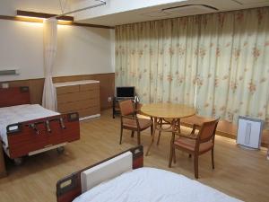 2人部屋(共有) (300x225)