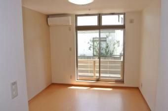 居室 (600x402)